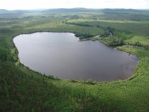 alt: Jezero Čeko pravděpodobně vzniklo po dopadu části mimozemského tělesa. Archiv G. Kletetschky